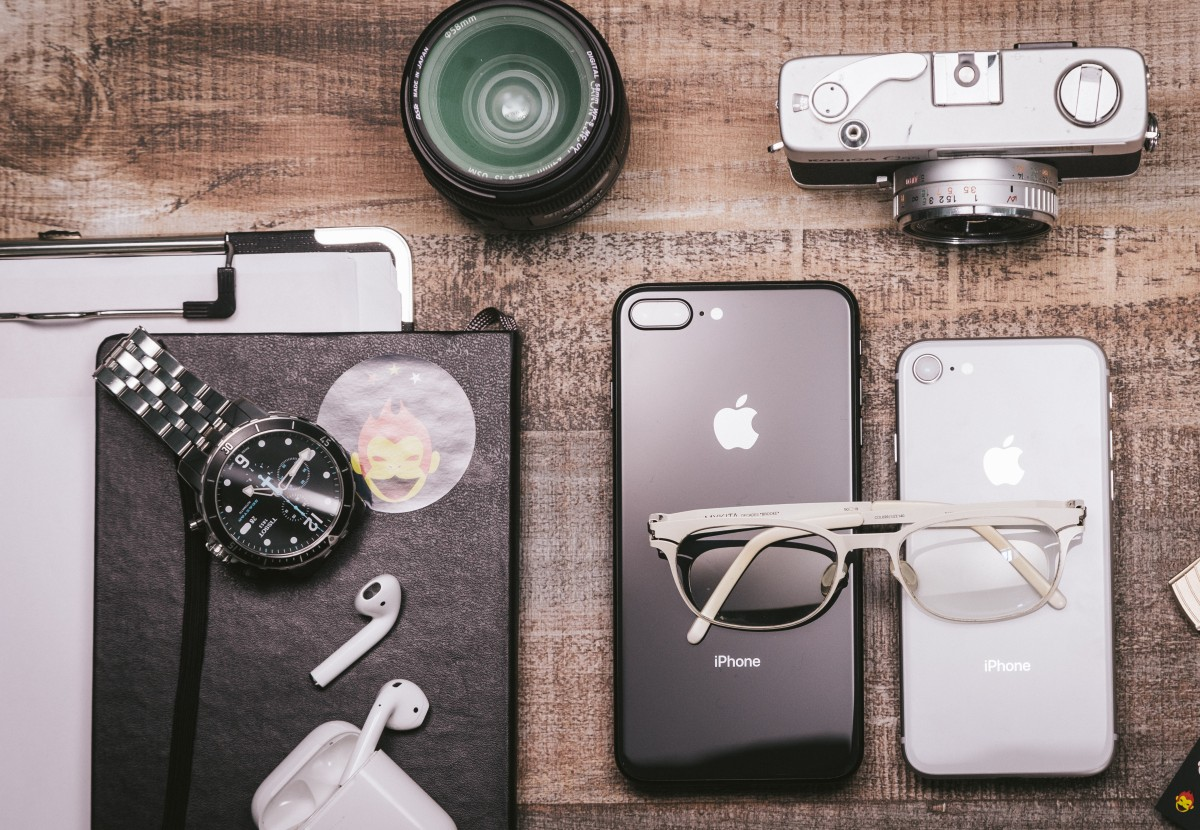 digital, eyewear, glasses, product, gadget, Everyday carry, design, vision care, photography, Material property, sunglasses, electronic device, electronics, mobile phone, still life photography